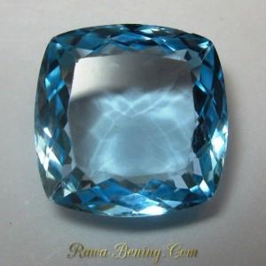 Batu Topaz Bentuk Cushion Cut 6.90 carat Warna Baby Blue
