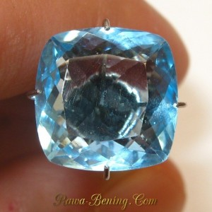 Square VSI Blue Topaz 6.45 carat