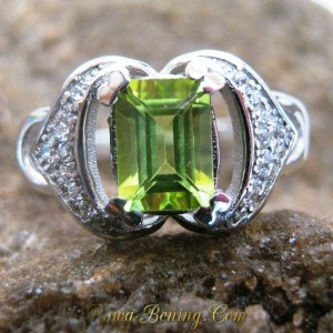 Cincin Fashion Wanita Batu Peridot Asli Ring 7 US