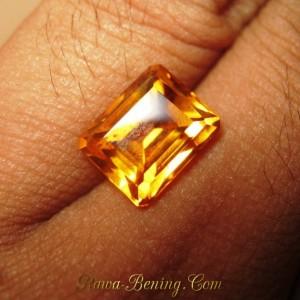 Rectangular Orangy Yellow Citrine 4.14 carat Keindahan yang Jelas