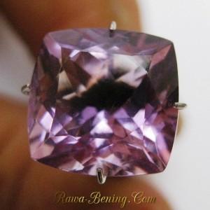 Batu Kecubung Ungu Kotak 6.80 carat Bening Cahaya Bling bling Full