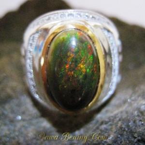 Cincin Black Opal Ukuran 7.5 US Jarong Hijau Hutan Matriks