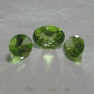 Lot Grosir 3 Pcs Batu Peridot Natural 1.9cts
