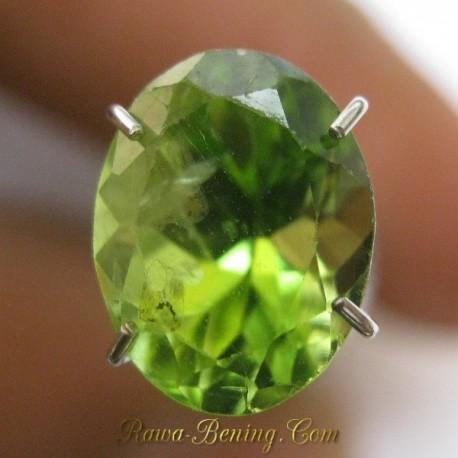 Batu Permata Peridot Hjau Indah 2.25 carat