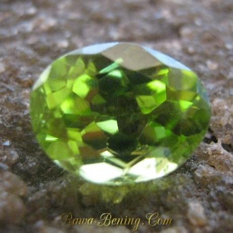 Batu Permata Natural Peridot Hijau Yellowish 2.05 carat