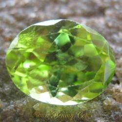 Batu Permata Natural Peridot Oval Hijau Bening 2.05 carat