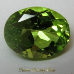 Peridot Hijau Bening Oval 2.20 carat