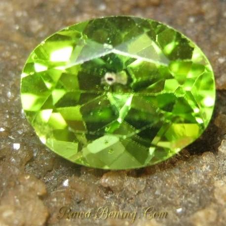 Batu Permata Natural Elegant Greenish Peridot 2.30 carat