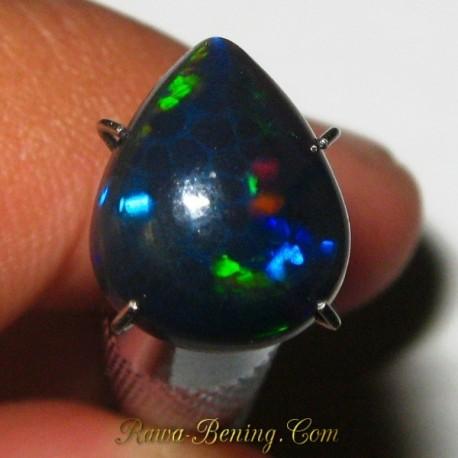 Batu Mulia Natural Black Opal Bluish Pear Shape 1.95 carat