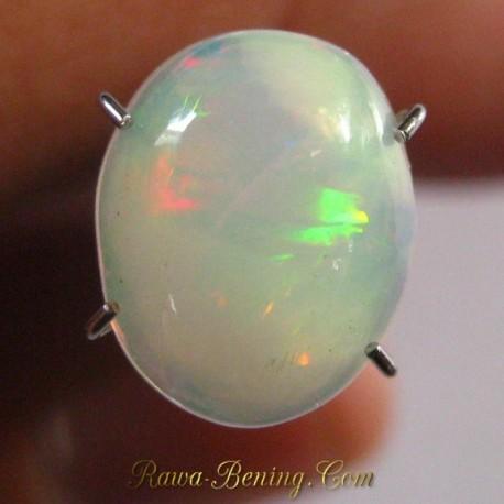 Batu Mulia Natural Opal Putih Luster Pelangi 1.75 carat