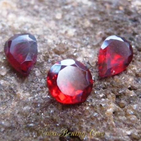 Natural Garnet Merah Imut 1.70 carat