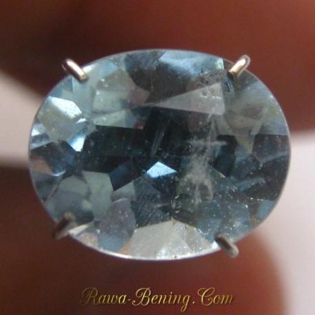 Batu Mulia Natural Sky Topaz Oval 2.95 carat