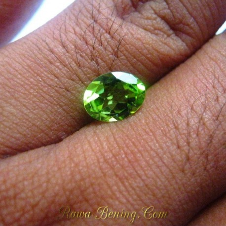 Batu Permata Natural Peridot Hijau Oval 1.85 carat