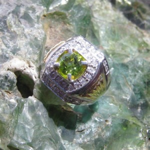 Cincin Peridot Ring 8US