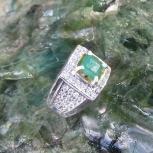 Cincin Zamrud Ring 9US