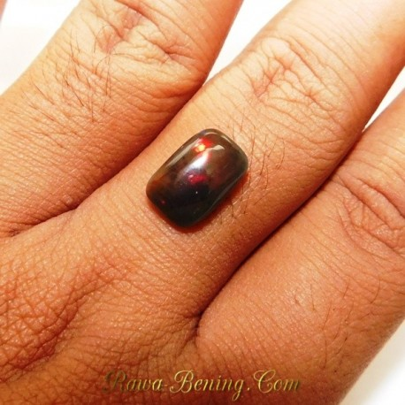Batu Mulia Rec Cab Black Opal 2.50 Carat