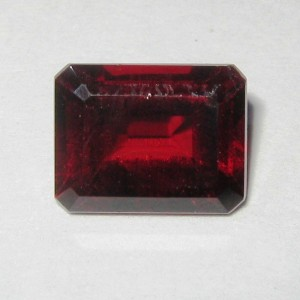 Pyrope Garnet 2.89 carat Natural Unheat