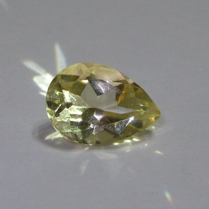 Bright Yellow Citrine Pear 2 cts untuk Liontin Indah