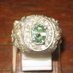 Cincin Natural Emerald 0.65cts