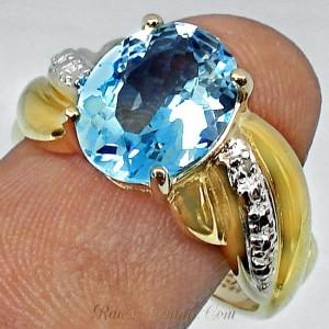 cincin berlian batu topaz