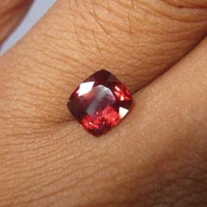 Natural Almandite Garnet 1.87cts untuk cincin