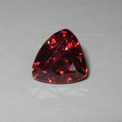 Batu Permata Natural Zircon 2.88cts bentuk Segitiga