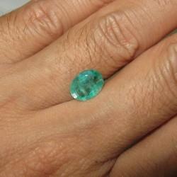 Natural Emerald Oval 1.48cts bagus untuk cincin Pria sejati