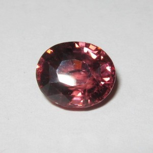 Elegant Pinkish Orange Zircon 3.52 cts