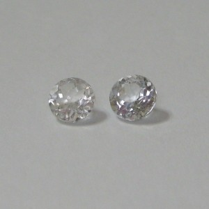 Couple Round White Topaz 1.9cts