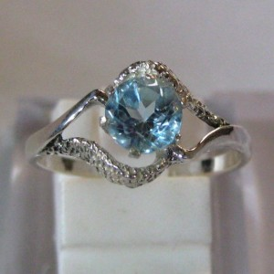 Lady's Blue Topaz Ring 8US