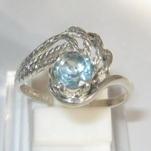 Swirl Sterling Silver Ring 8US Blue Topaz 0.7 carat