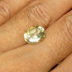 Batu Permata Yellowish Green Citrine 4.06 carat