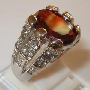 Cincin Red Garnet CZ Ring 8US